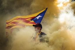 Katalanska självständighetsfanor vajade i Barcelona, när självständighetstörstande invånare firade sin nationaldag.
