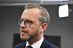 Inrikesminister Mikael Damberg (S) är missnöjd med att brottsligheten fortsätter att öka men välkomnar det ökade förtroendet för polisen. Arkivbild