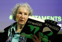 'The handmaid's tale'-författaren Margaret Atwood nämns också som en trolig pristagare.