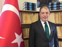 Turkiets Sverigeambassadör Hakki Emre Yunt säger att YPG är en säkerhetsrisk för Turkiet, i en intervju med SR:s Studio Ett.