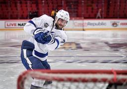 Tampa Bays backstjärna Victor Hedman spelar i Globen i Stockholm i kväll. Men nästa säsong kommer inga NHL-matcher att spelas i Sverige.