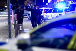 Två personer har skottskadats i Malmö.