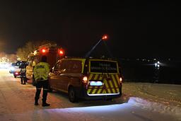De fyra personer som hittades har förts till sjukhus.