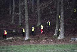 Frivilliga från organisationen Fikk sökte i ett område utanför Tollarp på måndagen. En 20-årig kvinna från Skåne har varit försvunnen i över en vecka. Polisen tror att hon kan ha utsatts för ett brott.