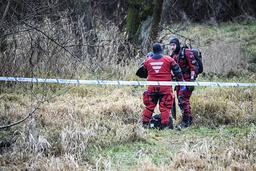 Under tisdagsförmiddagen återupptogs sökandet efter den försvunna 20-åriga kvinnan i Tollarp med hjälp av sjöpolisen.