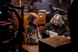 Matilda Gross med Marianne Mörck, som har en hektisk höst. 'Det kom två filmer på en gång, så jag har åkt lite i skift emellan. Plus konserter och andra saker, som allt jobb inför att jag ska vara julvärd', säger Mörck.