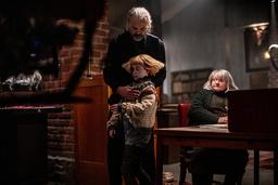 Utöver Matilda Gross är bland andra Johan Rheborg och Marianne Mörck med i filmen. Premiären är planerad till nästa höst. 'Det känns lite konstigt att det är så lång tid. Jag vill ju redan nu se filmen fastän vi inte ens filmat klart, man går och väntar', säger Gross.