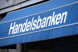 – Vi har kvar negativ ränta, alltså en kostnad för inlåning, för vissa större företagskunder. Villkoren förhandlas av våra lokala kontor i varje enskilt fall, säger Mats Olsson, tillförordnad presschef på Handelsbanken.