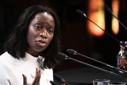 Liberalernas partiledare Nyamko Sabuni (L) vill återinföra civilplikten.