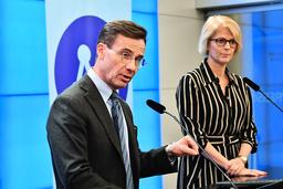 Moderaternas förslag till extra budget är politiskt unikt. Det presenterades av partiledaren Ulf Kristersson och ekonomiske politiske talesperson Elisabeth Svantesson.