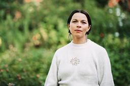 Elin Anna Labba skriver fram de tvångsförflyttade samernas historia. Pressbild.
