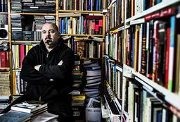 Poeten Johan Jönson är nominerad för sin tvillingbok 'Marginalia/Xterminalia'. Arkivbild.