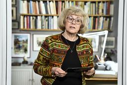 Boel Westin berömmer årets Almapristagare Baek Heena, vars namn tillkännagavs i den lägenhet på Dalagatan 46 där Astrid Lindgren bodde fram till sin död.
