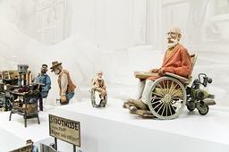 Jan Lööf identifierar sig främst med Bertil Enstöring av sina barnboksfigurer. Bilden kommer från utställningen 'Jan Lööf – bildmakaren' på Göteborgs konstmuseum 2011. Arkivbild.