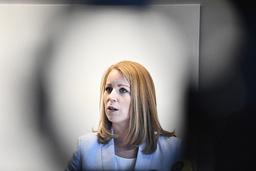 – Den enskilt viktigaste åtgärden för landets företag är att pressa tillbaka smittan så att ekonomin kan komma i gång, säger C-ledaren Annie Lööf. Arkivbild.