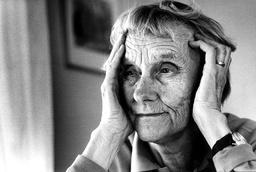 Astrid Lindgrens stenograferade originalmanus skärskådas nu av 150 stenografer. Arkivbild.