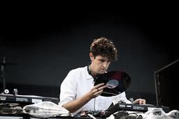 Jamie XX, brittisk musikproducent, DJ och remixartist, spelade på Way Out West i Göteborg 2016. I höst kommer han till Sverige igen.