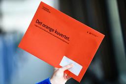 Ett orange kuvert som kan orsaka obehag. Arkivbild.