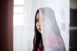 Lap-See Lam är redan en prisad konstnär. Hon är med på Forbes lista över Europas mest lovande unga konstnärer, har visat verk på Performa-biennalen i New York och nominerats till internationella Future Generation Art prize, tillsammans med de andra nominerade kommer hennes verk att ställas ut i Kiev och i samband med Venedigbiennalen.